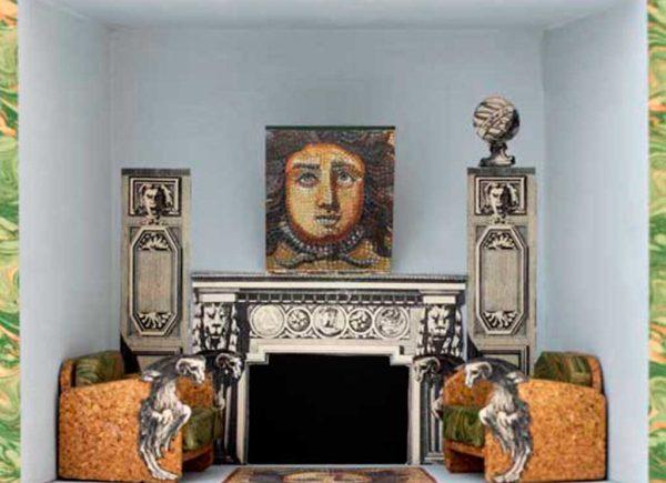 Brigitte Szenczi - El saloncito de Medusa - 12'5 x 25 x 30 cm - Caja de madera, óleo y collages - 2015
